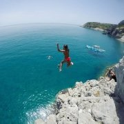 Jumping into the weekend like... #suprhodes #cliffjumping #supadventure