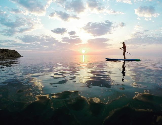 Sunrise over the Aegean Sea isn't a bad way to start the day  #supyogagreece #sunrisepaddle #perfectpaddle #suprhodes #stegnabeach #rhodes #rhodesisland #learntosup #suplessons